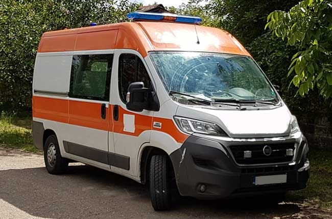 Ambulance blanche orange